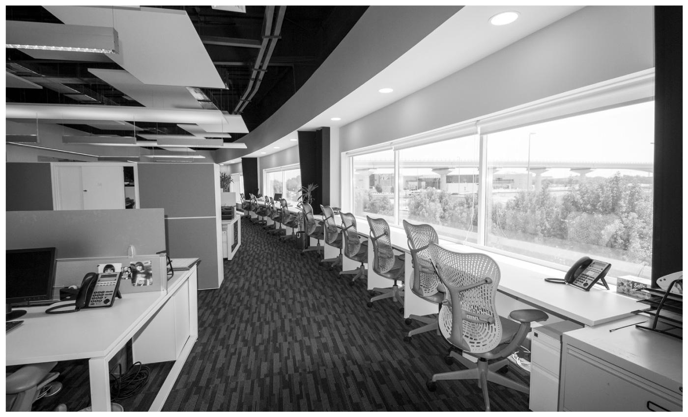 Hot desks at the Saint-Gobain UAE office
