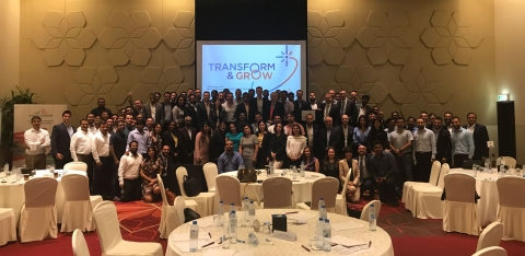 group-photo-100-leaders-13-businesses-transform-and-grow-saint-gobain